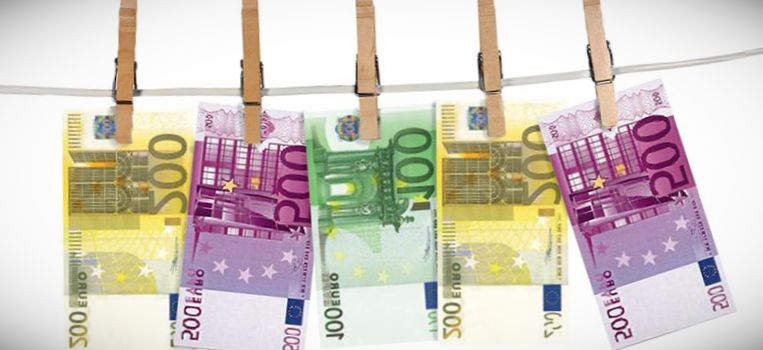 bloqueo de cuentas bancarias por blanqueo de capitales
