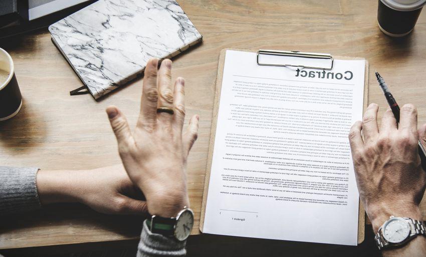 que tipo de contrato es el 401